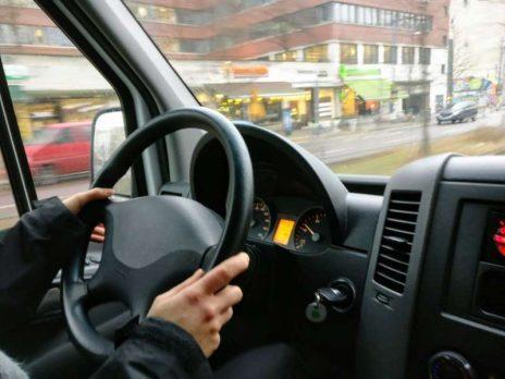Czy kierowcy z wadą słuchu będą mogli prowadzić ciężarówki?
