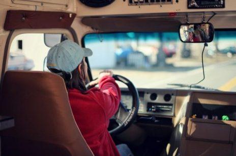 Czy potrafisz prowadzić samochód ciężarowy efektywnie i oszczędnie?