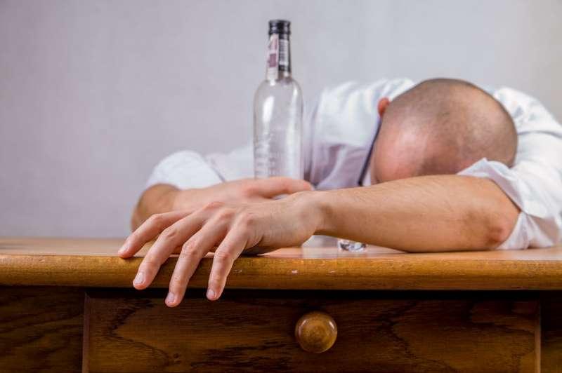 Kiedy przewoźnik może poddać swoich kierowców kontroli na obecność alkoholu?